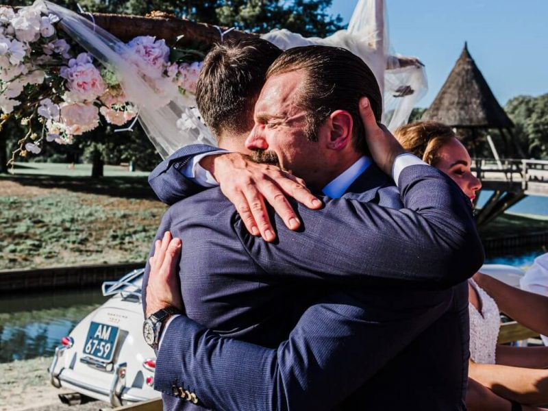 bruidsfotografie-emotie-broers