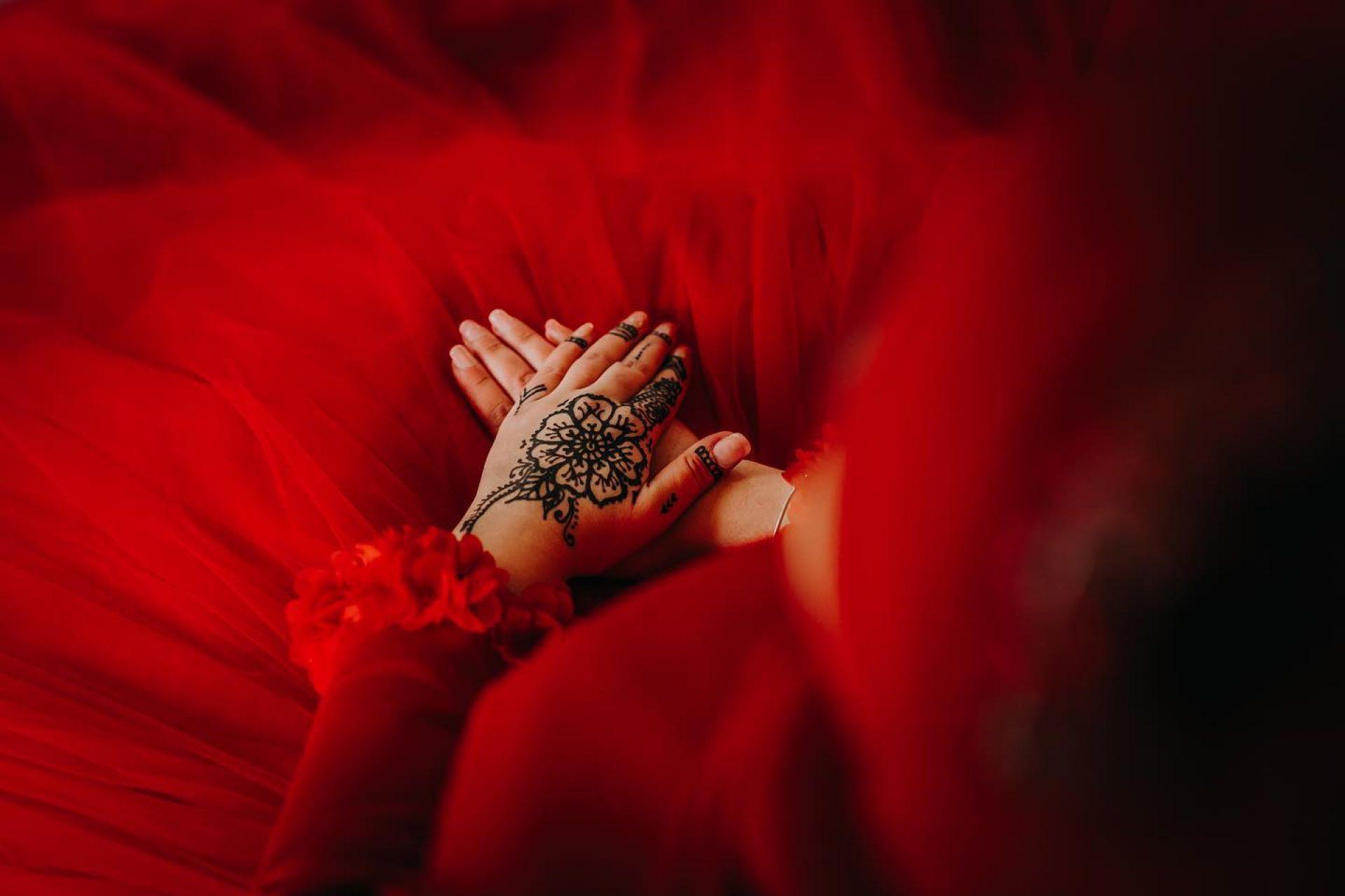 henna-hennafeest-versierde-handen